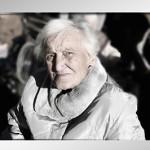 dependent_dementia_womanmic